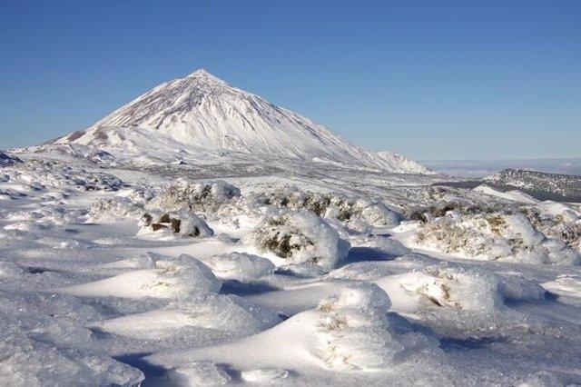 Parque Nacional del Teide nevado