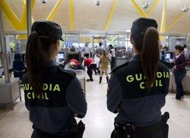 La Guardia Civil recomienda ser cuidadoso con la privacidad en las redes sociales sobre los viajes de Semana Santa