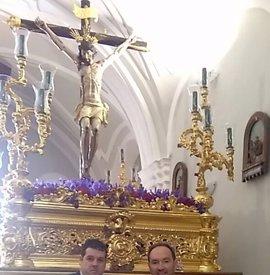 Diputación de Huelva realiza la tradicional ofrenda floral al Cristo del Buen Viaje