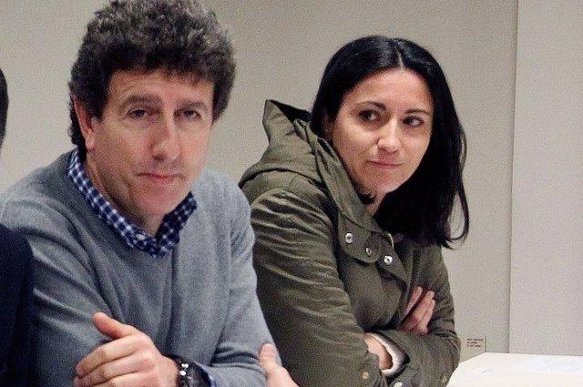 Elsa Pérez, a la derecha
