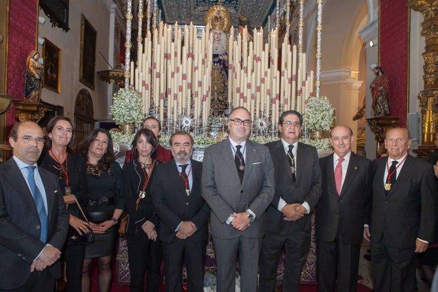 El Colegio de Abogados de Sevilla entrega su bastón de mando en El Silencio