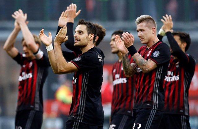 El AC Milan celebra la victoria en Serie A