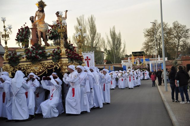 Hermandad de Jesús Atado a la Columna en procesión hasta la cárcel de Teruel