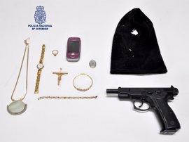 Detenido un atracador en un salón de juegos de Ciudad Real que fue retenido por viandantes