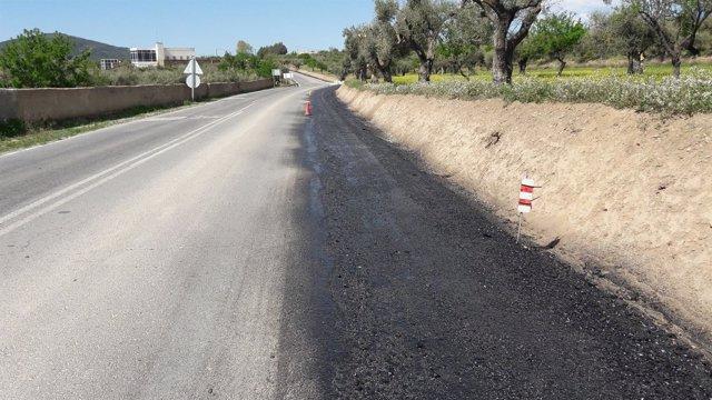 La carretera provincial AL-5402 ha sufrido obras de mejora del firme.