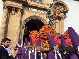 Fernando López Miras asiste a la salida de la procesión de los Salzillos