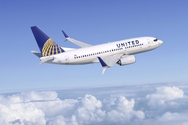 United Airlines Boeing 737-700s