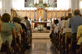 """El obispo de Huelva cree que la Iglesia está haciendo """"un gran esfuerzo"""" para adaptarse a los cambios de la sociedad"""