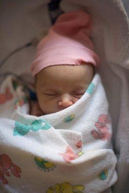 Bebé, recién nacido durmiendo