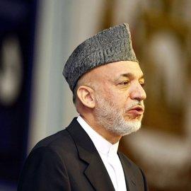El expresidente afgano Hamid Karzai repudia a sus sucesores por tolerar el bombardeo de EEUU en Nangarhar