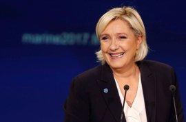 Francia.- El Parlamento Europeo citará a Le Pen por presunto desvío de fondos comunitarios