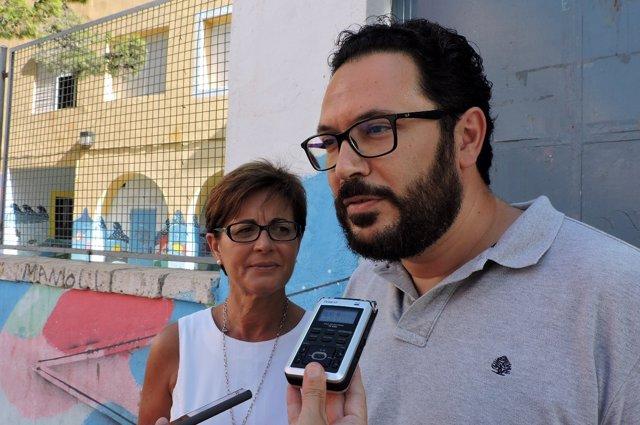 Los concejales del PSOE de Almería Cristóbal Díaz y Adriana Valverde