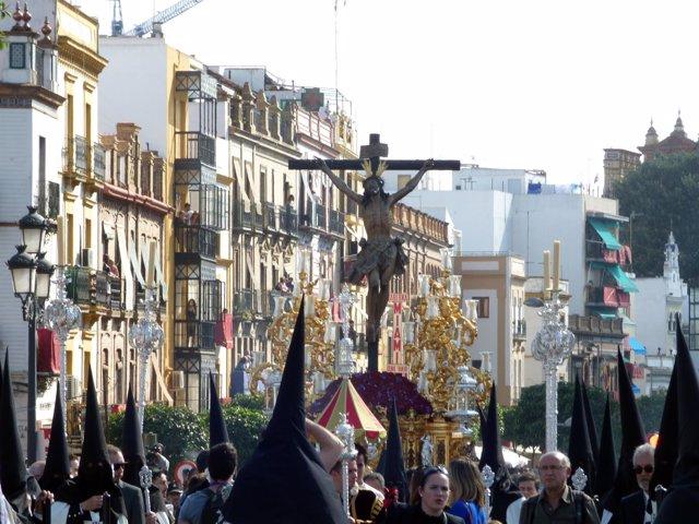 Procesión de El Cachorro. Viernes Santo en Sevilla