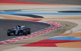 Bottas estrena pole en Baréin; Alonso y Sainz saldrán decimoquinto y decimosexto