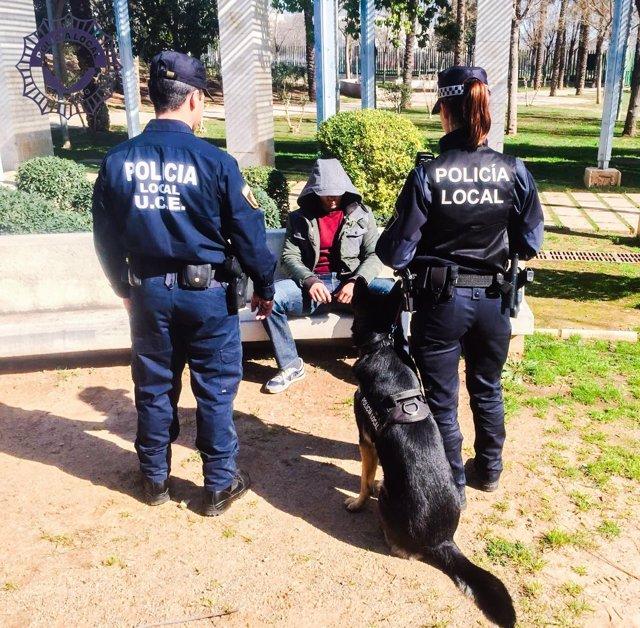 La iniciativa corre a cargo de la unidad canina