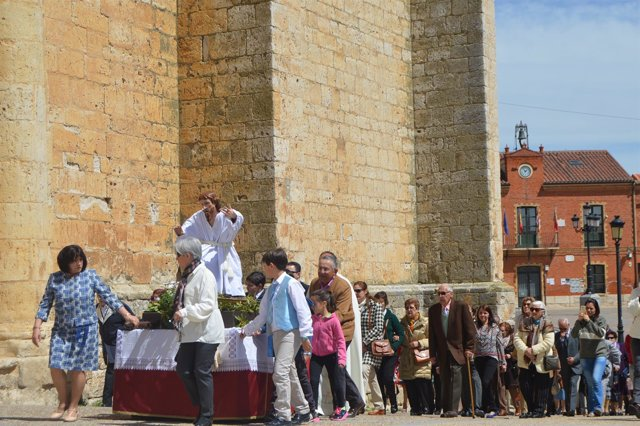 Procesión de Domingo de Resurrección en Cigales.