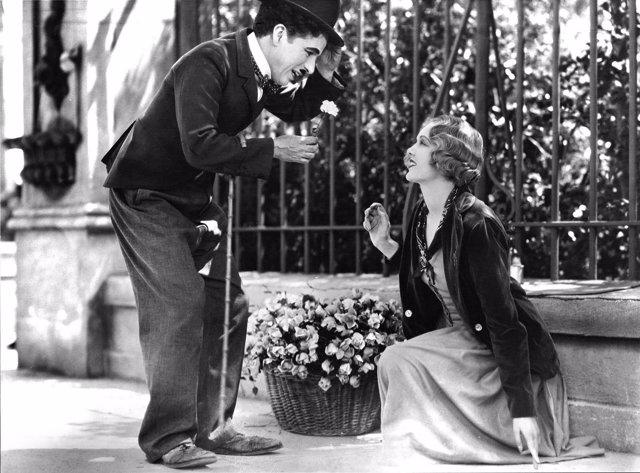 Charles Chaplin en Luces de la ciudad (City Lights)