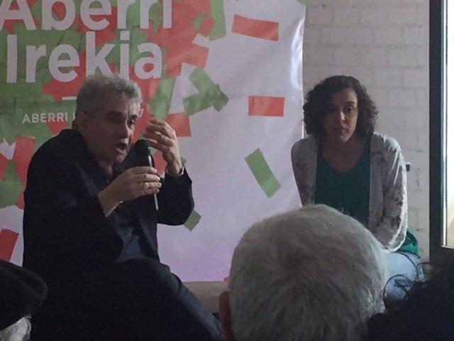 Nagua Alba y Bernardo Atxaga