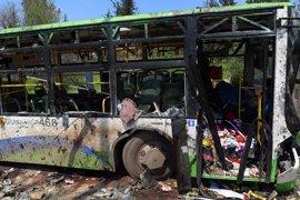 Al menos 68 menores entre los 126 muertos por el atentado de Alepo contra un convoy de chiíes evacuados
