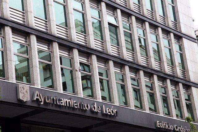 Imagen del Ayuntamiento de León, ubicado en la calle Ordoño II.