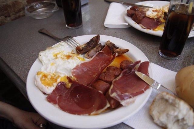 Imagen de un plato del Dos y pingada de Zamora