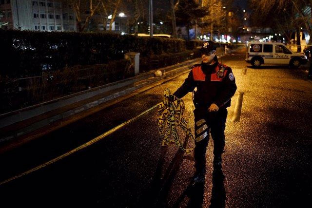 Un policía turco en Ankara