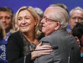 Jean-Marie Le Pen certifica el respaldo a su hija pese a sus diferencias