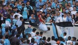 Un hincha argentino del Belgrano, en muerte cerebral tras ser arrojado desde una grada