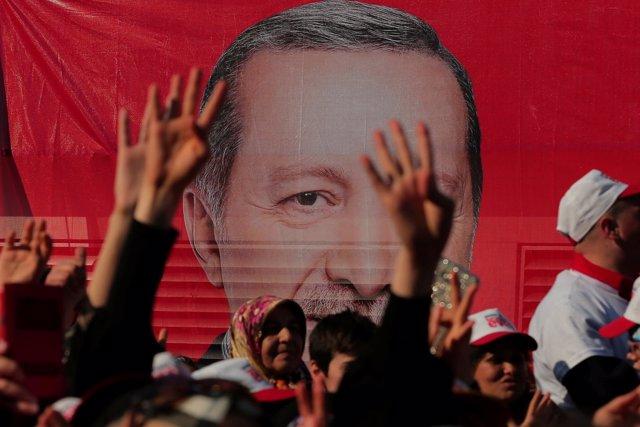 Cartel con el presidente turco, Recep Tayyip Erdogan