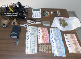 Cae un punto de venta de droga con tres detenidos en Los Nietos (Cartagena)