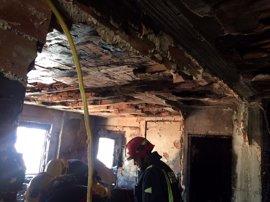 La Policía Nacional investiga el incendio ocurrido en un piso de Málaga capital, del que se desconocen las causas