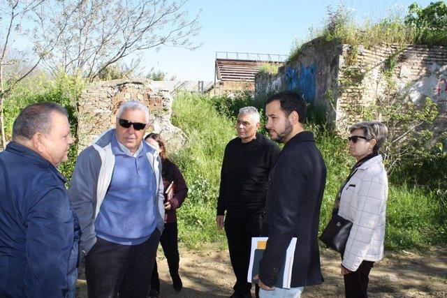 El Portavoz de IU, Daniel Rojas visita la barriada sevillana de San Jerónimo