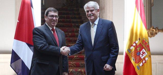 Alfonso Dastis recibe al ministro de Relaciones Exteriores de Cuba