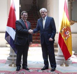 """Dastis y Rodríguez abogan por """"profundizar"""" los lazos entre España y Cuba"""