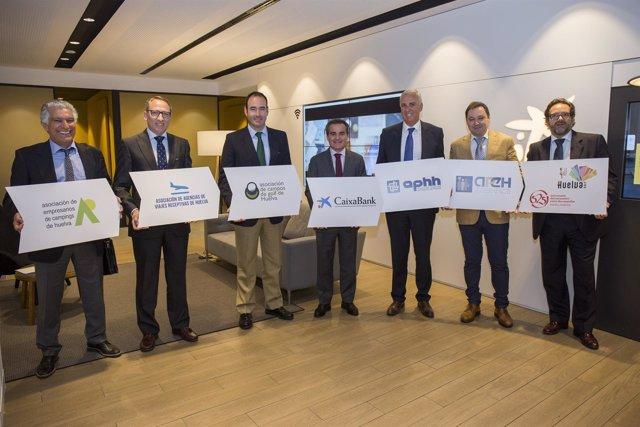 Acuerdo entre Caixabank y el Círculo Empresarial de Turismo.