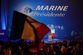 Disturbios entre detractores del Frente Nacional y la Policía cerca de un mitin de Le Pen en París