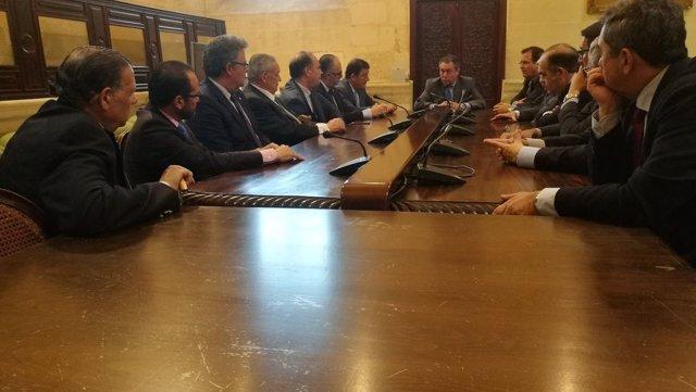 Reunión de Espadas con el Consejo y hermandades de la Madrugá