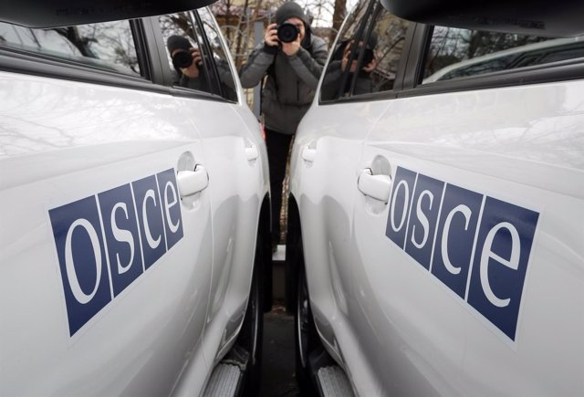 Vehículos de la OSCE en el este de Ucrania