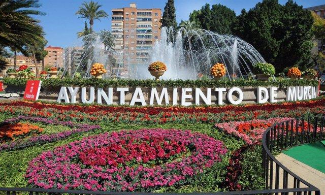 Plaza Circular en Fiestas de Primavera, flores, fuente