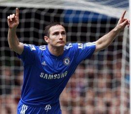 """Lampard elogia a Terry como el """"mejor defensor de la historia"""" de la Premier"""