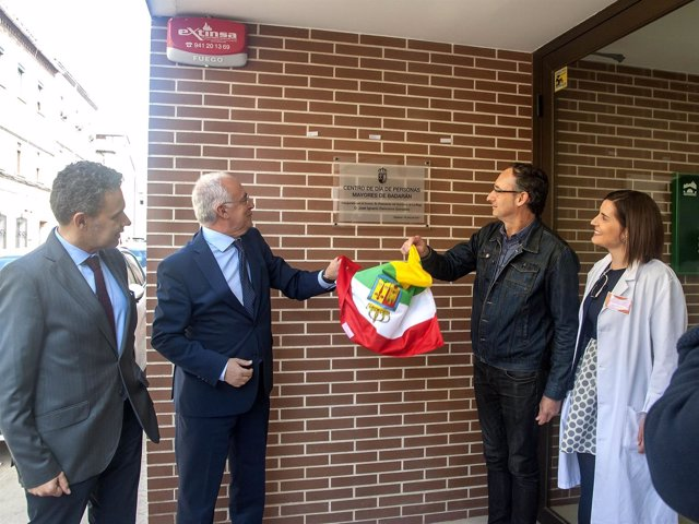 Ceniceros inaugura el Centro de Día de Badarán