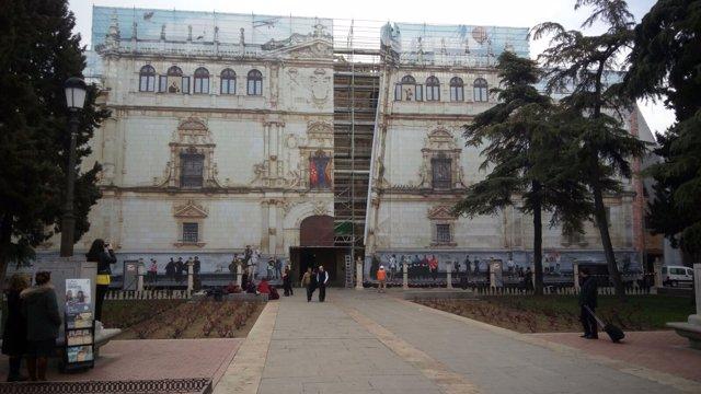 Fachada de la Universidad Alcalá de Henares