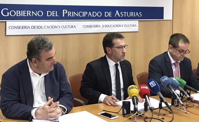 Genaro Alonso, en el centro