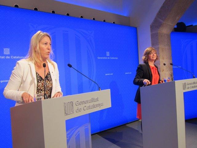 La portavoz del Govern Neus Munté y la consellera Meritxell Borràs