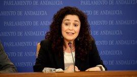 """IU critica que, ante la """"realidad desgarradora"""" que revela el Defensor, Susana Díaz """"se marcha de gira con su campaña"""""""