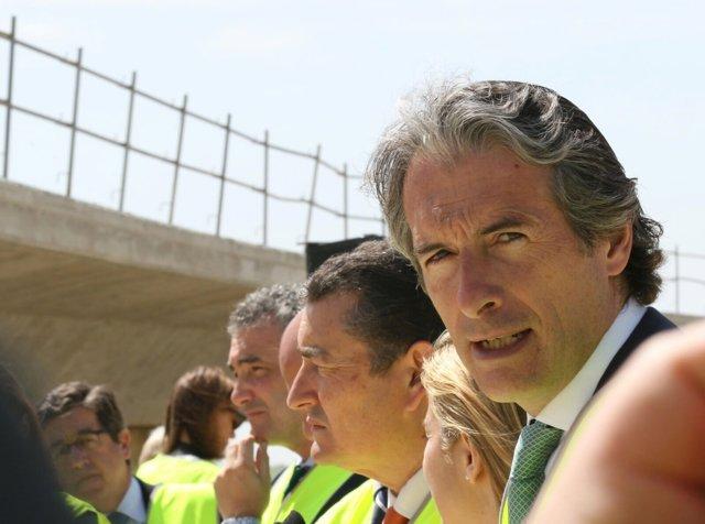 El ministro de Fomento, Iñigo de la Serna, en Sevilla