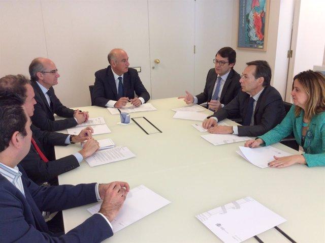 Reunión de populares salmantinos en Madrid