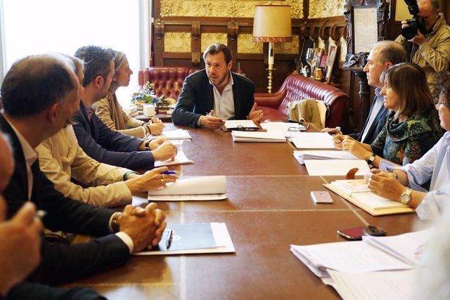 El alcalde de Valladolid preside la reunión del Consejo de Diálogo Social