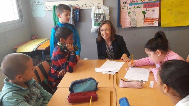La delegada de Educación en el CEIP Mirasierra