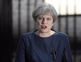 """May apela al """"interés nacional"""" y niega intereses partidistas"""